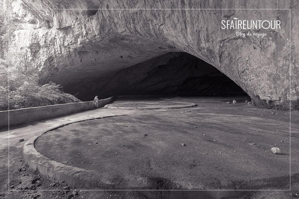 Grotte de Devetashka