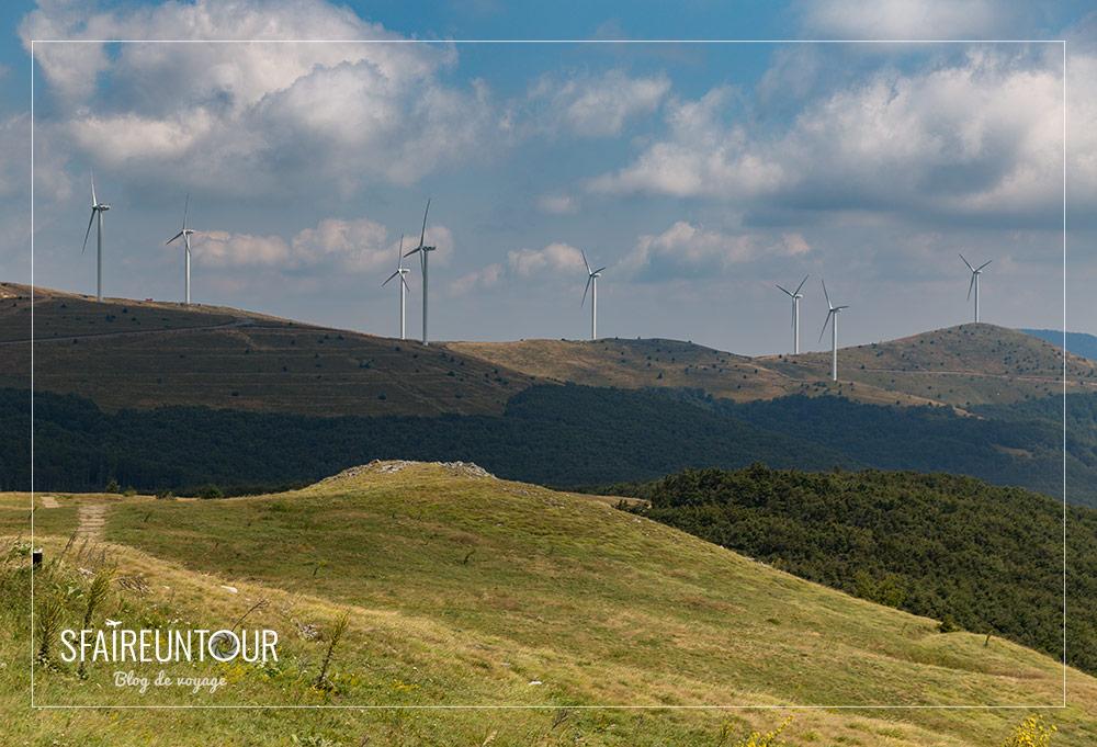 éoliennes vers Bouzloudja