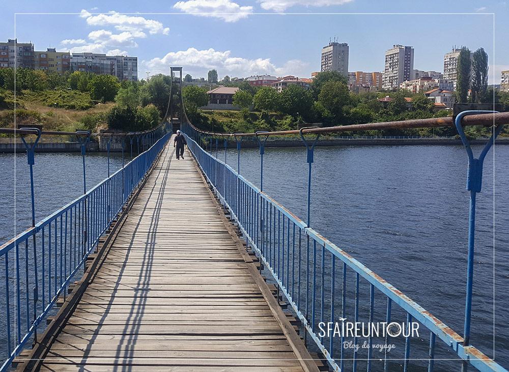 Pont enjambant l'Arda à Kardjali