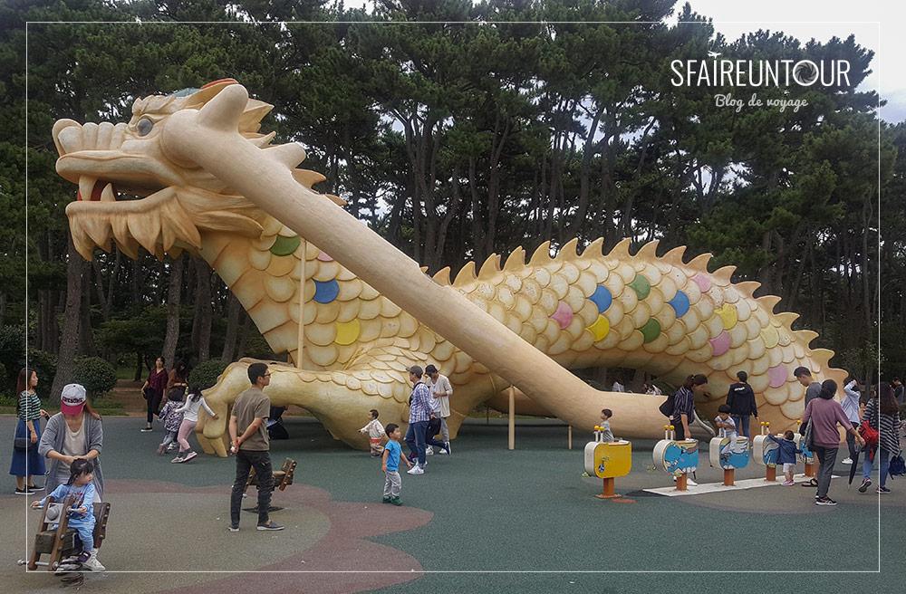 Dragon toboggan